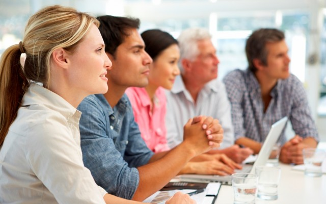 Πέντε τρόποι για να γεμίσετε ενέργεια το εργασιακό χώρο