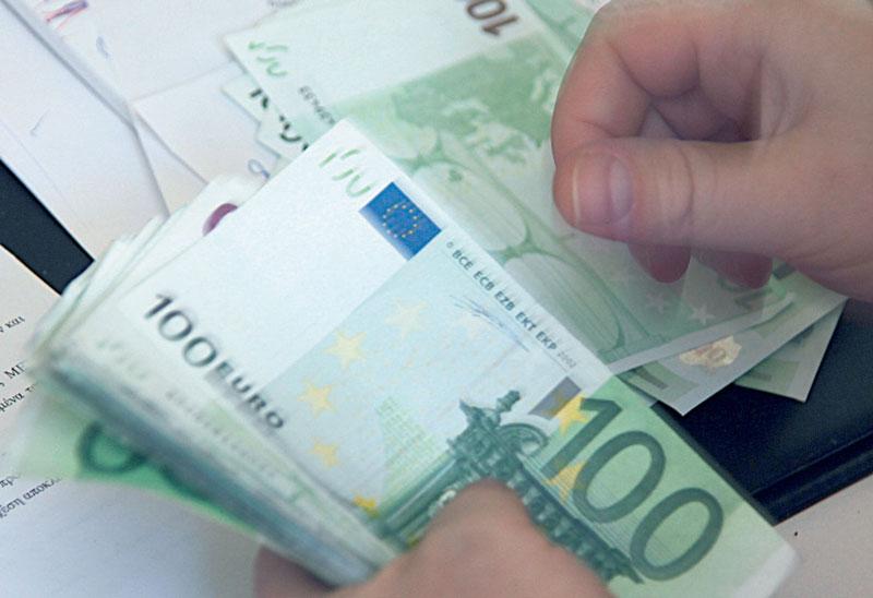 Θα συνεχίσει να μεγεθύνεται η ελληνική οικονομία σύμφωνα με την ΕΕ