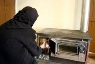 """ΥΠΕΚΑ: """"Μύθος"""" τα περί φθηνής θέρμανσης με τα τζάκια- Κατά 60% φθηνότερο το κλιματιστικό"""