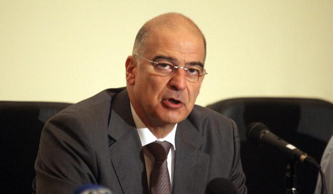 Παρέμβαση της πολιτείας στα χρέη των επιχειρήσεων προς τα πιστωτικά ιδρύματα προτείνει ο υπουργός Ν. Δένδιας
