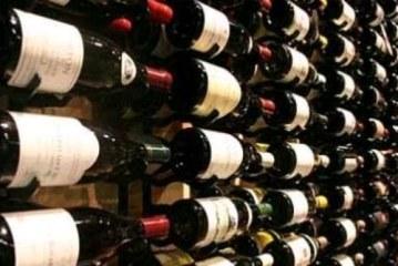 ICAP: Σε πτωτική τροχιά η εγχώρια αγορά οίνου