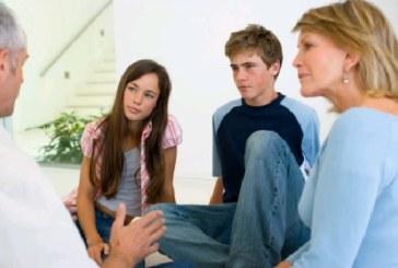 Γονείς με παιδιά στην εφηβεία: Διαπραγματεύεστε και πως, μαζί τους;
